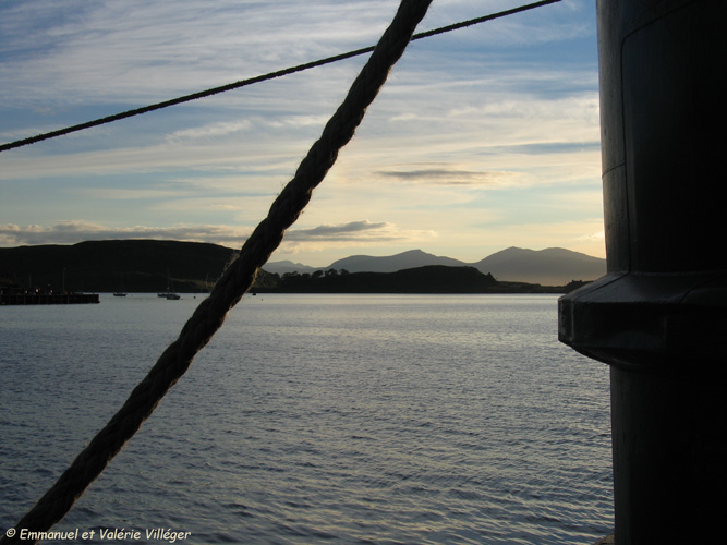 Wandering in the harbour of Oban.