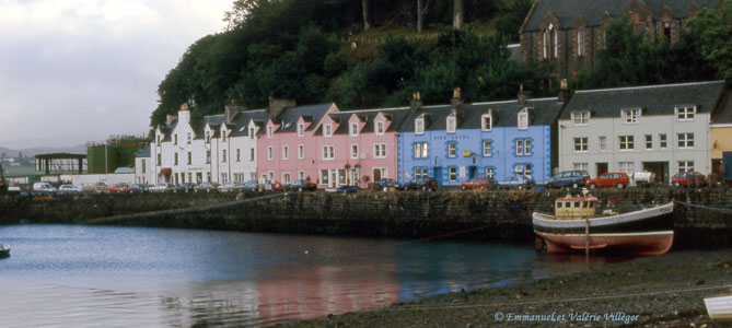 The picturesque houses of Portree's harbour
